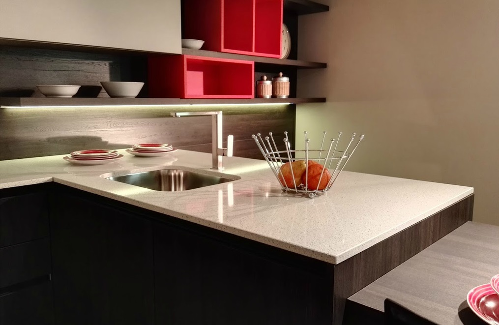 Cucine Monza - Brianza - Materiali top cucina : Quarzo e Laminato ...
